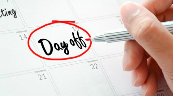 Tặng ngày nghỉ cho nhân viên - quà tặng nhân viên lâu năm