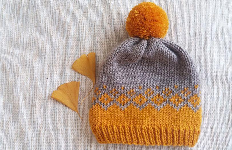 Tặng quà noel là mũ len handmade cho bé