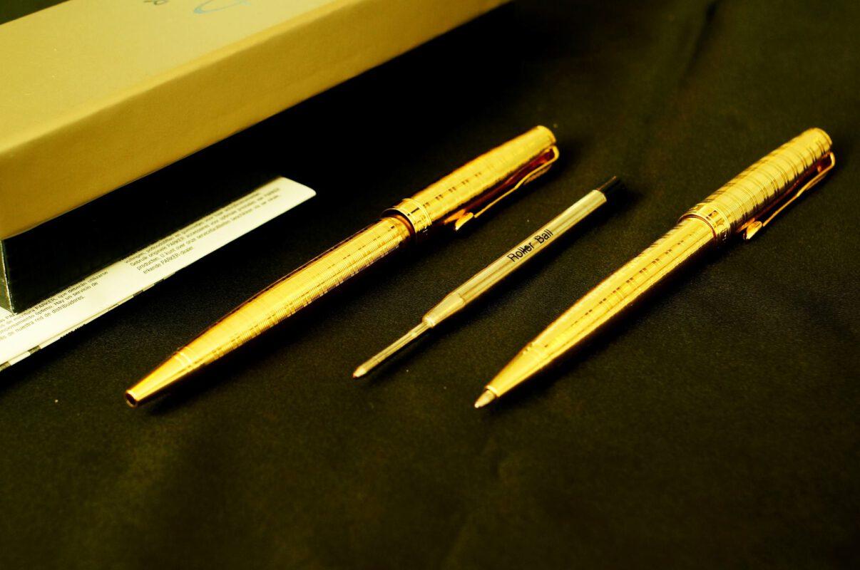 Bút ký mạ vàng mang lại may măn cho người nhận