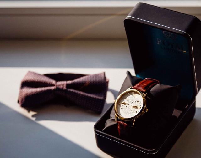 Theo phong thủy đồng hồ được coi là biểu tượng của sự đoản thọ, thu ngắn giới hạn cuộc sống