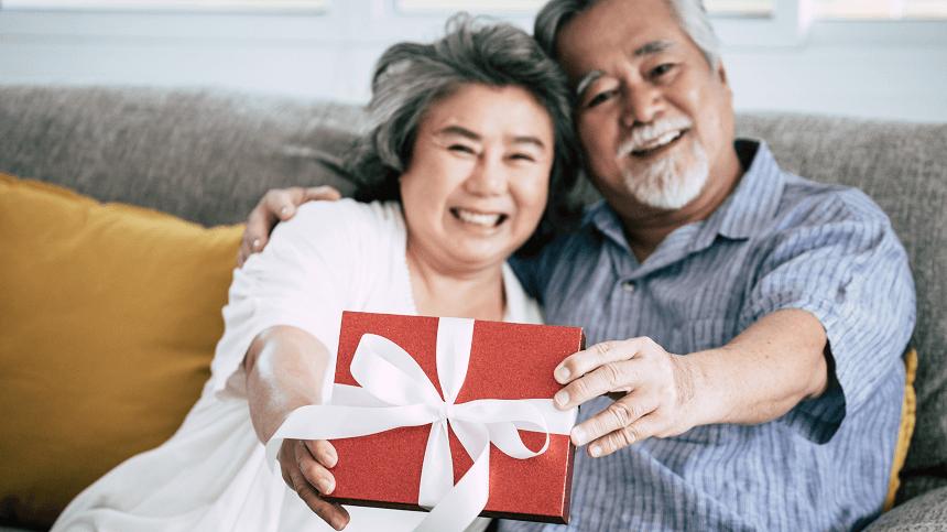 Những lưu ý khi tặng quà cho bố