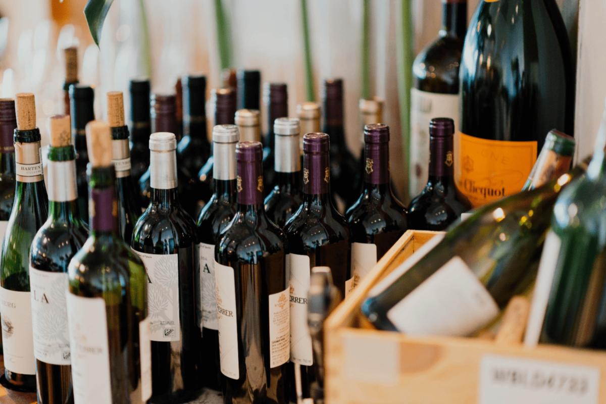 Rượu ngoại làm quà tặng đối tác
