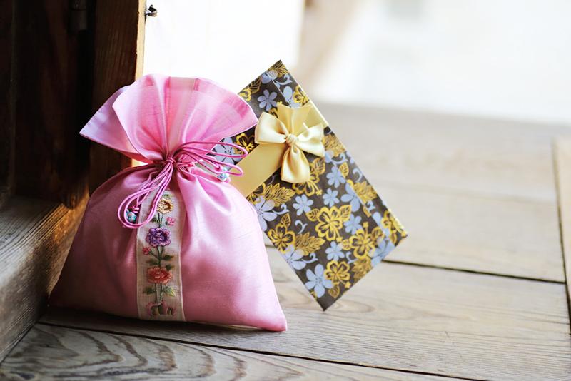 Ý nghĩa văn hóa tặng quà của người Hàn Quốc